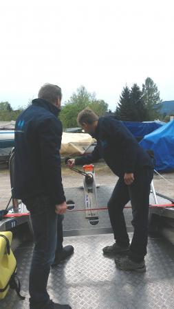 Das neue Boot hat viele Extras, die die Erfoschung der Pfahlbauten in Österreich erleichtern. (Bild: C. Löw - Kuratorium Pfahlbauten)
