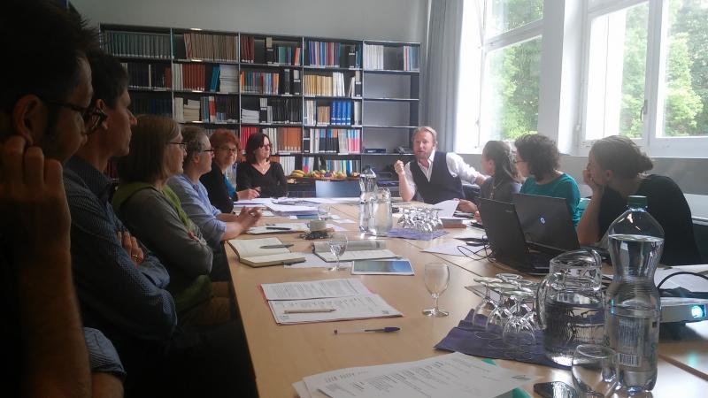 Das Meeting fand im Amt für Denkmalpflege und Archäologie in Zug statt (Bild: Carmen Löw - Kuratorium Pfahlbauten)