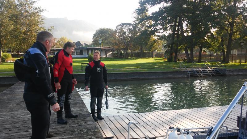Heute sind Boris, Gerd und Henrik unter Wasser im Einsatz. (Bild: Kuartorium Pfahlbauten - C. Löw)
