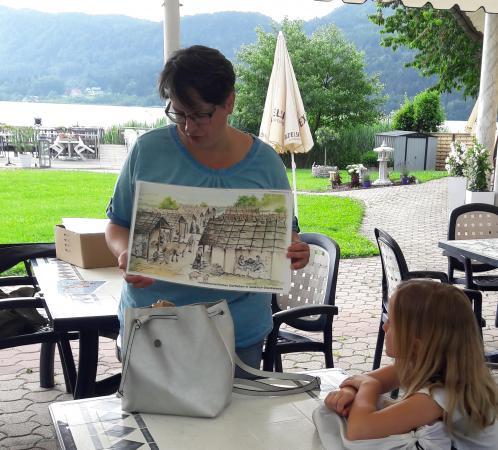 Lieselore Meyer während der PalaFITtes-Tour. (Bild: Kuratorium Pfahlbauten)