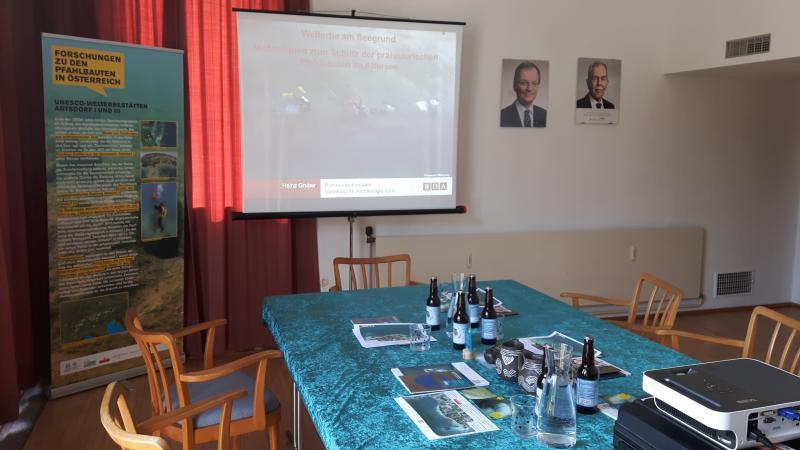 Das Konferenzzimmer im Gemeindeamt Attersee stellte uns freundlicherweise die Gemeinde Attersee zur Verfügung. (Bild: Kuratorium Pfahlbauten)