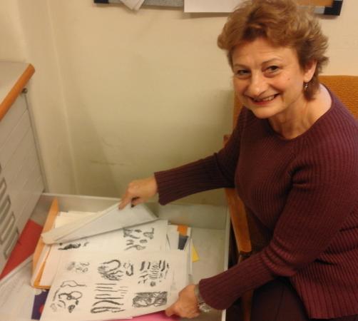 Dr. Veronika Holzer freut sich über die Unterstützung bei der Publikation ihrer Forschungsarbeit aus dem Jahr 1996. (Bild: Kuratorium Pfahlbauten)