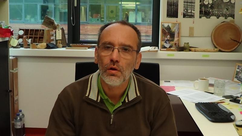 Michael Grabner beschäftigt sich seit langer Zeit mit der Dendrochronologie des Salzkammergutes. (Bild: C. Löw - Kuratorium Pfahlbauten)