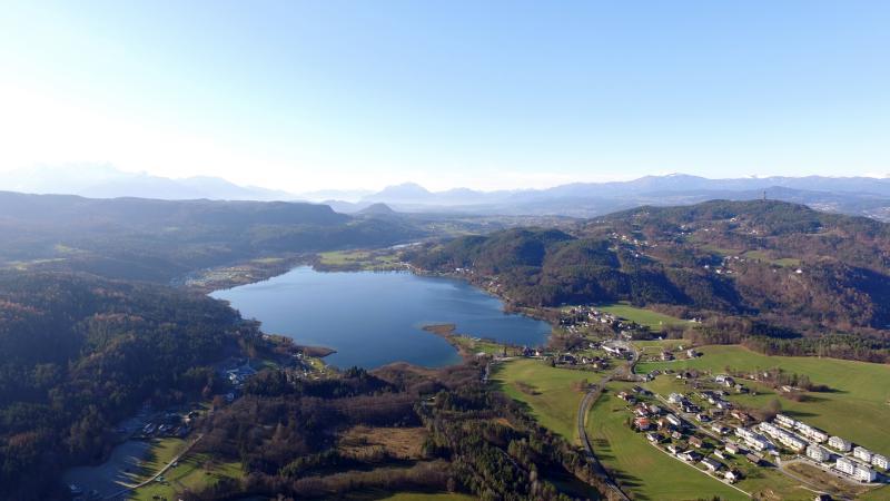Drohnenaufnahme vom Keutschacher See und Mooren. (Bild: Ramsar Verein - P. Gregortisch)