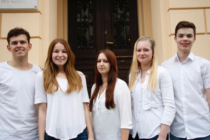Das Projektteam der HAK1 Klagenfurt v. l. n. r. Theo Hibler, Johanna Tauschitz, Elena Horn, Michaela Weratschnig, David Kramer (Foto: Birgit Leitsberger)