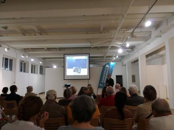 Der erste Vortrag in der Schlossgalerie Mondsee war gut besucht. (Ostrowski - Kuratorium Pfahlbauten)