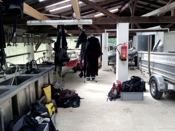 Tauchequipment und Werkzeug. (Bild: Team Zeitensprung)