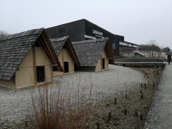 """Exkursion zum archäologischen Museum """"Laténium"""" am Lac de Neuchátel (Neuenburgersee)."""
