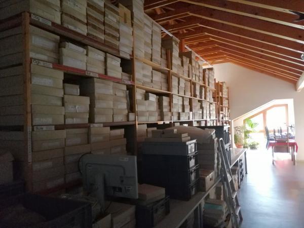 Bei der Anzahl an Fundstellen braucht es viel Platz zur Lagerung des archäologischen Materials. Foto: Helena Seidl da Fonseca