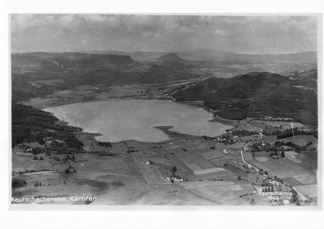 Luftaufnahme des Keutschacher Sees und der Moore aus den 1960er Jahren. (Bild: Gemeinde Keutschach am See)