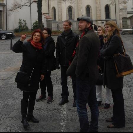 """Die Stadtführung von Astrid Wentner durch das UNESCO-Welterbe """"Stadt Graz - Historisches Zentrum"""" war ausgesprochen kurzweilig. (Bild: Helena Seidl da Fonseca - Kuratorium Pfahlbauten)"""