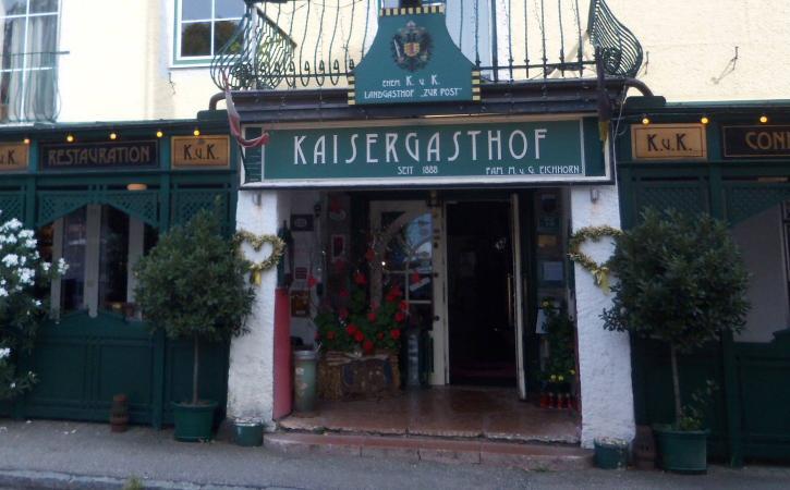 Der Kaisergasthof in Weyregg am Attersee.  (Bild: Florian Ostrowski - Kuratorium Pfahlbauten)