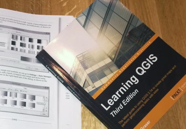 Esthers Übungsunterlagen zum Erlernen von QGIS. (Bild: Kuratorium Pfahlbauten)