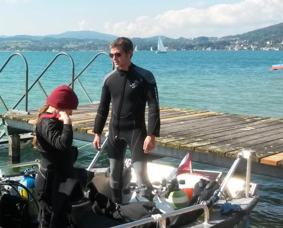 Christopf Grasl hat das Team in Weyregg II als Citizen Science unter Wasser unterstützt. (Bild: Zeitensprung)