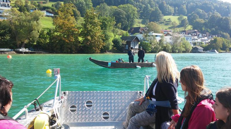 Am Tag der offenen Grabung wird es auch heuer wieder Fahrten mit dem Forschungsboot zur Grabungsstelle geben. (Bild: Kuratorium Pfahlbauten)